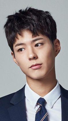 he looks more like a boy ! Korean Star, Korean Men, Asian Actors, Korean Actors, Lee Jong Suk, Park Bo Gum Wallpaper, Park Bogum, Kbs Drama, Moonlight Drawn By Clouds