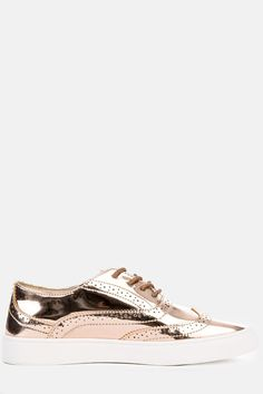 Featuring a shiny leather upper, and mesh detailing. Style it best with dress pants, or shorts with a cute blouse. Shiny leather and mesh upper Lace up closure Oxford Sneakers, Cute Blouses, Lace Up, Kicks, Leather, Style, Products, Swag, Stylus
