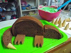 Dinosaur Birthday Cake Dinosaur Birthday Cakes, Dinosaur Cake, Dinosaur Party, Australian Food, Recipe Creator, Party Hacks, No Frills, Icing, Christening Cakes