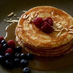 Naleśniki śmietankowe przepis   PrzepisyTradycyjne.pl Old Plates, Old Recipes, Pancakes, Food And Drink, Baking, Eat, Breakfast, Supper Ideas, Pierogi