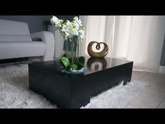 DIY Sofa Bed / Turn this sofa into a BED - Woodworking For Beginners - Woodworking For Beginners - Black Coffee Tables, Unique Coffee Table, Diy Coffee Table, Coffee Table With Storage, Coffee Table Design, Diy End Tables, Living Room End Tables, Diy Table, Coffee Table Video