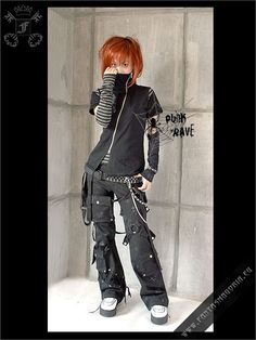Gothically yours.: Remaking your clothes: Goth DIY Gothically yours.: Remaking your clothes: Goth DIY Grunge Outfits, Punk Outfits, Tomboy Outfits, Gothic Outfits, Alternative Outfits, Alternative Mode, Alternative Fashion, Diy Goth Clothes, Diy Clothes Refashion