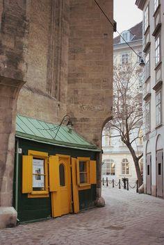 Vienna Cobblestone, by anune. Monuments, European River Cruises, Honeymoon Pictures, Heart Of Europe, Danube River, Austria Travel, Belle Villa, City Streets, Vienna