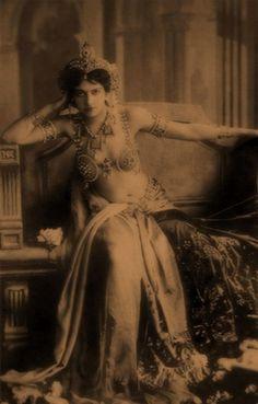 Mata Hari, fue una de las espías que más curiosidad ha despertado en la historia.