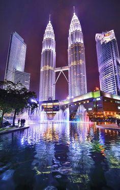 Petronas Towers - Kuala Lumpur, Malaysia