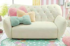 These cute cushions though!!