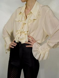 Diane Von Furstenberg Cream Silk Ruffle Poet Blouse 7 - How To Be Trendy Mode Pirate, Cool Outfits, Fashion Outfits, Womens Fashion, Fashion Boots, Mode Vintage, Character Outfits, Mode Inspiration, Color Inspiration