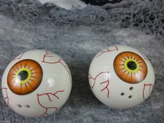 Halloween Salt and Pepper Shakers Blood Shot Eyeballs Ceramic Orange  Prop New