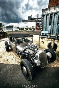 rat rod #trucks Rat Rod Cars, Hot Rod Trucks, Big Trucks, Semi Trucks, Rat Rods, Dodge Charger Daytona, Kustom Kulture, Ford, Abandoned Cars