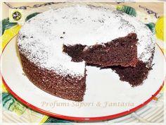 Torta di cioccolato, nuvola nera: facile da preparare, si può utilizzare il Bimby oppure nella maniera tradizionale e farcire con creme deliziose.