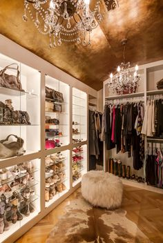 Closets - Glam Closet - Design photos, ideas and inspiration. Amazing gallery of interior design and decorating ideas of bedrooms, closets by elite interior designers. Glam Closet, Walk In Closet, Closet Space, Master Closet, Closet Doors, Sala Glam, Dressing Design, Dressing Room Closet, Dressing Rooms