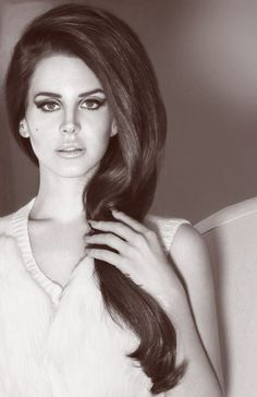 Lana del Rey-> that hair!
