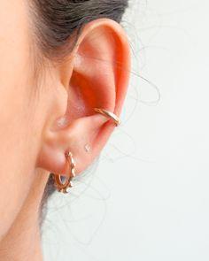 Que combinación te gusta más ¿Dorado o plateado? 🙈❤️ Todos los aretes disponibles en plata y plata con baño de oro ⚡️ Cannoli, Earrings, Jewelry, Gold Plating, Silver, Stud Earrings, Accessories, Ear Rings, Jewlery