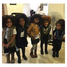 Time to wear natural afro hairstyles Through many years of struggling, the recent runways finally flooded with black models wearing dizzy curly hair. Black Girls Rock, Black Kids, Black Girl Magic, Beautiful Black Babies, Beautiful Children, Black Power, Cute Kids, Cute Babies, Curly Hair Styles