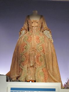Glenn Close's costume from Dangerous Liaisons
