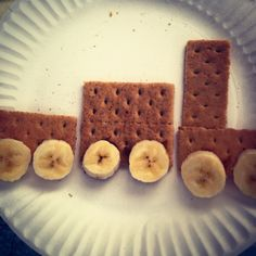 Preschool train theme snack: graham crackers, banana slices (attached with Biscoff spread)