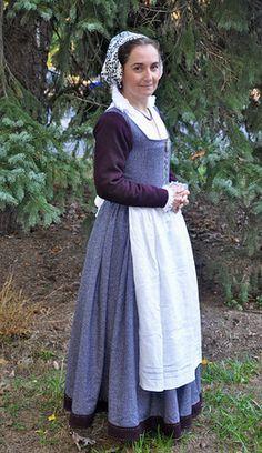 Belfebe - Grey wool herringbone kirtle, with aubergine wool flannel sleeves…