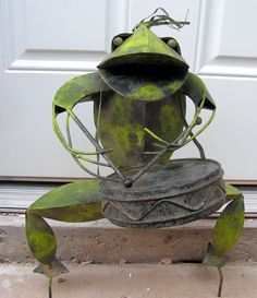 Metal Frog Sculpture Playing Drums Drummer Musician Musical Instrument Band Player Yard Art Statue  Yard art sculpture measures approximately 22
