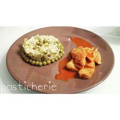pollo alla paprika con riso thai e piselli