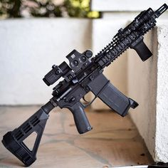 I wonder what my neighbors think when I'm taking gun pics outside 🤷🏻♂️ Ar Pistol Build, Ar15 Pistol, Ar Build, M4 Carbine, Weapons Guns, Guns And Ammo, Tactical Rifles, Firearms, M4 Airsoft