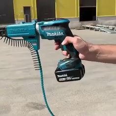 This drywall drill Woodshop Tools, Carpentry Tools, Garage Tools, Woodworking Tools, Metal Working Tools, Work Tools, Makita Tools, Construction Tools, Tools Hardware