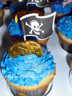 easy pirate cupcakes, chocolate coins and flags