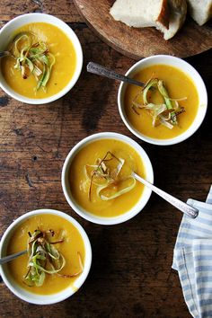 Slow-Cooker Butternut Squash & Apple Soup