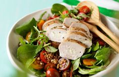 Recept på sommarsallad med kyckling och linser.
