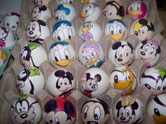 You cannot have Easter without eggs. Why not try some Disney Easter eggs. Get inspired for dyeing, painting, decorating Easter eggs with Disney characters by taking inspiration from the unique roundup of ideas. Angry Birds, Disney Easter Eggs, Easter Bunny, Disney Cookies, Easter Egg Designs, Easter Egg Crafts, Disney Designs, Diy Ostern, Disney Diy