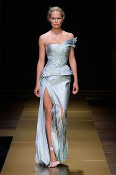 Atelier Versace, Fall 2016 - The Most Extraordinary Dresses at Paris Couture Week Fall 2016 - Photos