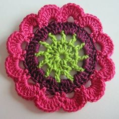 how to make Japanese flowers. I can't read the instructions, but I think I can figure it out with the pictures. Stitching a lot of these together would make a beautiful afghan! Also, it will be good to use up my small balls of yarn. Crochet Diy, Love Crochet, Crochet Motif, Crochet Crafts, Crochet Doilies, Yarn Crafts, Crochet Flowers, Crochet Stitches, Crochet Projects