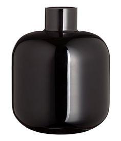 Gerundete schwarze Vase aus Glas (H&M)