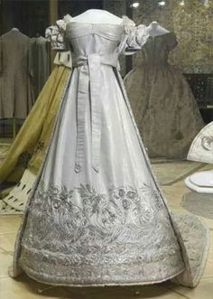 Tsarina Alexandra Feodorovna of Russia, née Princess Charlotte of Prussia~ coronation dress in 1825.