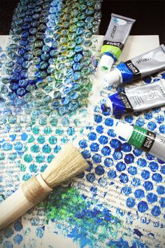 bubble wrap painting: I see this as a way to do the benday dots in Roy Lichtenstein lessons!
