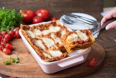 lasagne bolognese Bolognese, Mozzarella, Ethnic Recipes, Food, Lasagna, Essen, Meals, Yemek, Eten
