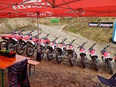 Für Klein und Gross, MX-Academy Motocross Schnupperkurs #mxacademy #motocrossfahren #mxschweiz #funtime #action #crf50 #crf110 #crf125 #crf150 #crf250 Bicycle, Kids, Bicycle Kick, Bicycles, Bike, Bmx, Cruiser Bicycle