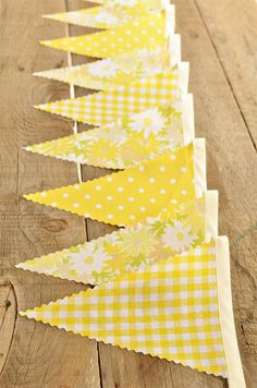 Yellow Daisy - Vintage Bunting Banner -Free Shipping in US and Canada