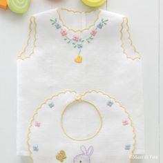 Baby Girl Dress Patterns, Baby Girl Dresses, Baby Dress, Baby Embroidery, Hand Embroidery Patterns, Embroidery Designs, Baby Sewing, Love Sewing, Twin Baby Clothes