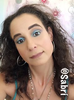 Ok, so I am #crushing❤️ on the #unicorn #trend! Especially #limegreen, #frostedblue and #teal for #eotd! Featuring #cyzone #sxy #eyeshadowpalette, #puertorico. Beauty #Belleza #Bellezza #Beauté #Beleza #Cosmetics #Cosméticos #Cosmetici #produitsdebeaute #Makeup #Maquillaje #maquillage #maquiagem #fabat40.