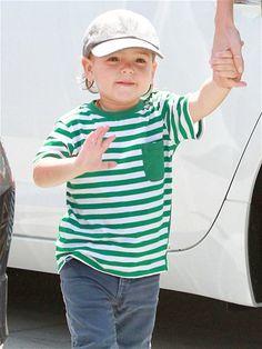 Flynn Bloom. Little Boy And Girl, Little Boys, Boy Or Girl, Cute Kids, Cute Babies, Kids Boys, Baby Kids, Kids Dress Shoes, Miranda Kerr Style