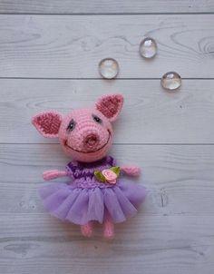 Купить Свинка Вета - свинка, свинья, хрюшка, поросенок, амигуруми, вязаная игрушка, полушерсть, холлофайбер