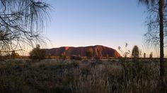 Vista  de  la  sagrada  montaña  Uluru en  Australia