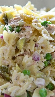 tuna pasta salad with dill and peas. Added 1 drained can of corn and used the green veggie spiral pasta. Was very light and refreshing. Tuna Salad Pasta, Pasta Salad Recipes, Cooking Recipes, Healthy Recipes, Healthy Food, Healthy Eating, Tuna Recipes, Healthy Treats, Summer Salads