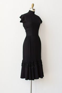 vintage 1940s dress | 40s dress | Coffee Black Dress $188