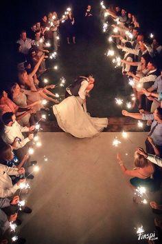 wedding-sparklers-sparkler-send-off-wedding-ideas.jpg (564×846)