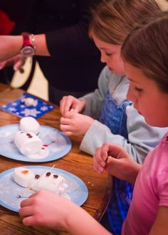FROZEN Birthday Party - Do you want to build a snowman? :)