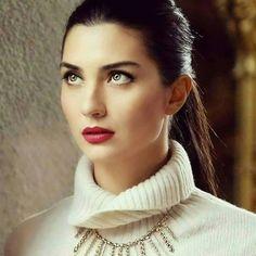 Tuba Buyukustun as Elif in the Turkish TV series KARA PARA ASK, 2014-2015.