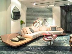 Segno sofa, designed by Reflex and Pininfarina. Featuring the Seventy low tables and mirror. #InteriorDesign #LuxuryFurniture #Furniture #Luxury #Design #Designer #Interiors