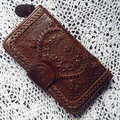 MARRAKECH. Cartera de cuero marrón / marrón embrague de cuero / Billetera de viaje / embrague de zip / zip wallet. Disponible en cuero diferentes colores.