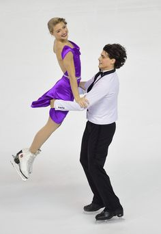 Paul Poirier and Piper Gilles Photos Photos - Piper Gilles and Paul Poirier of Canada perform during their Ice Dance Free Dance during day two of Trophee Eric Bompard ISU Grand Prix of Figure Skating at the Meriadeck Ice Rink on November 22, 2014 in Bordeaux, France. - Trophee Eric Bompard ISU Grand Prix of Figure Skating - Day Two
